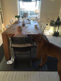 Ralph lärde sig tidigt vem som ger bäst o mest mat